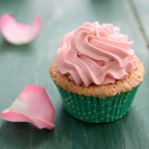cupcake recipe, baking, afternoon tea, almond and pistachio cake, Baked Goodies, mascarpone frosting, rosewater, rosewater pistachio cupcakes, tea time snack, whipped cream mascarpone frosting
