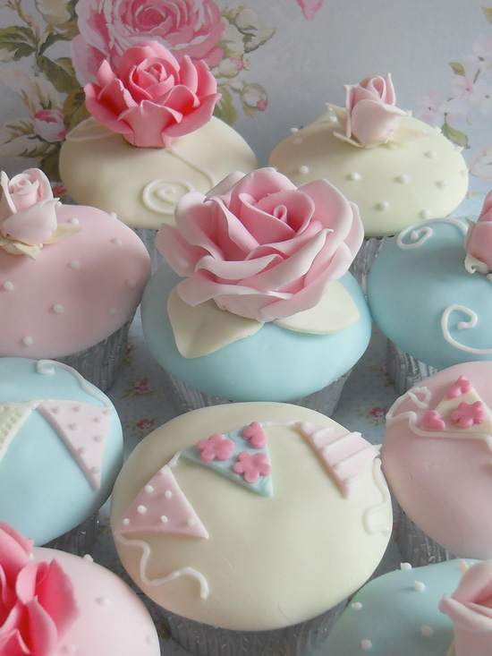 Rose Garden ~ Cath Kidston Inspired Cupcakes