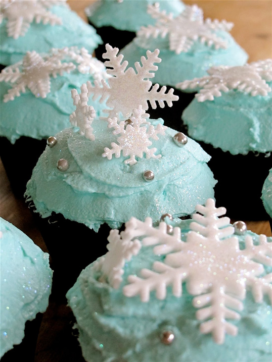 Snowflake Cupcakes with Minty Frosting
