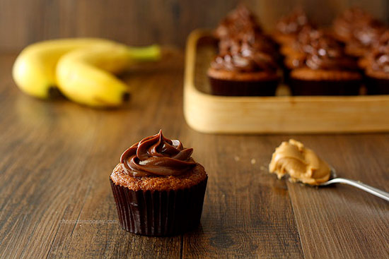 Roasted Banana Cupcakes with Peanut Butter Ganache Frosting. Cupcake Recipe.