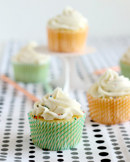 Vanilla Cupcakes {with a surprise inside!}, cupcake recipes