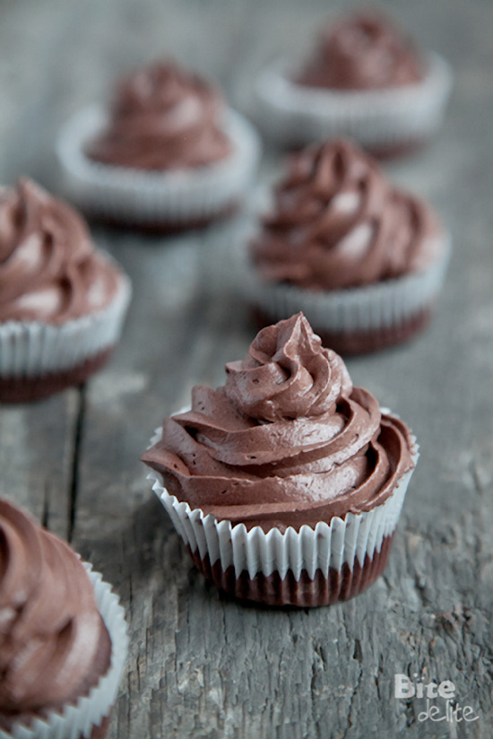 Dark Chocolate Cupcakes with Mascarpone Cheese Cocoa Frosting, Cupcakes Recipes