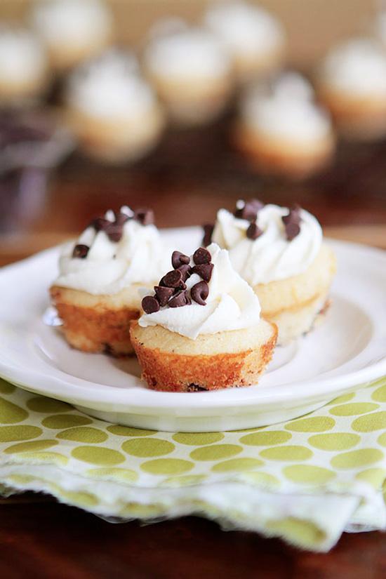 Mini Chocolate Chip Maple Pancake Cupcakes