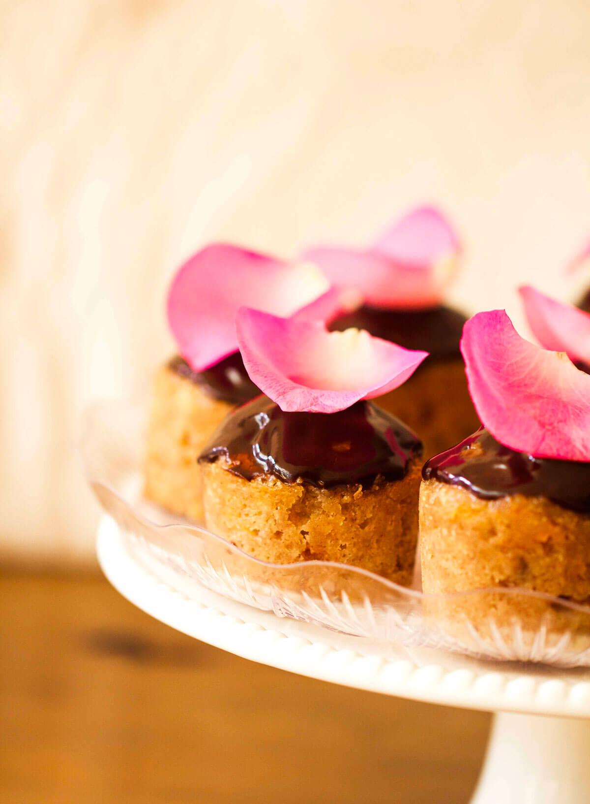 Banana Cinnamon Cupcakes with Mocha Icing