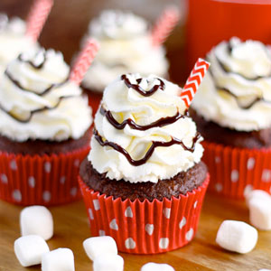 Hot Chocolate Cupcakes, Whipped Cream, Frosting, cake mix, chocolate, cupcakes, easy, recipe, baking, cupcake recipe