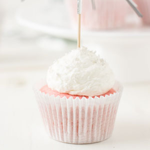 pretty, pink, champagne, cupcakes, pastry creme, champagne frosting, baking, recipe