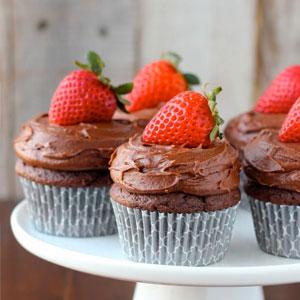chocolate, strawberry, cupcake, cupcakes, cupcakerecipe, dessert, baking, food