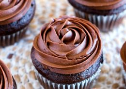 Chocolate Pudding Filled Cupcakes