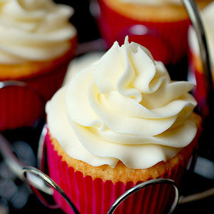 Perfect Vanilla Buttermilk Cupcakes