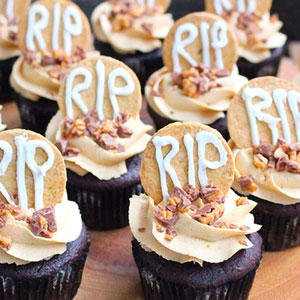 Peanut Butter Chocolate Bar Halloween Cupcakes