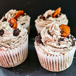 Incredible Banana Oreo Cupcakes