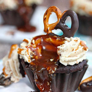 Chocolate-Dipped Pretzel Cupcakes