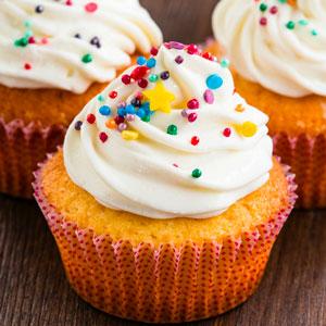 Delicious Simple Vanilla Cupcakes