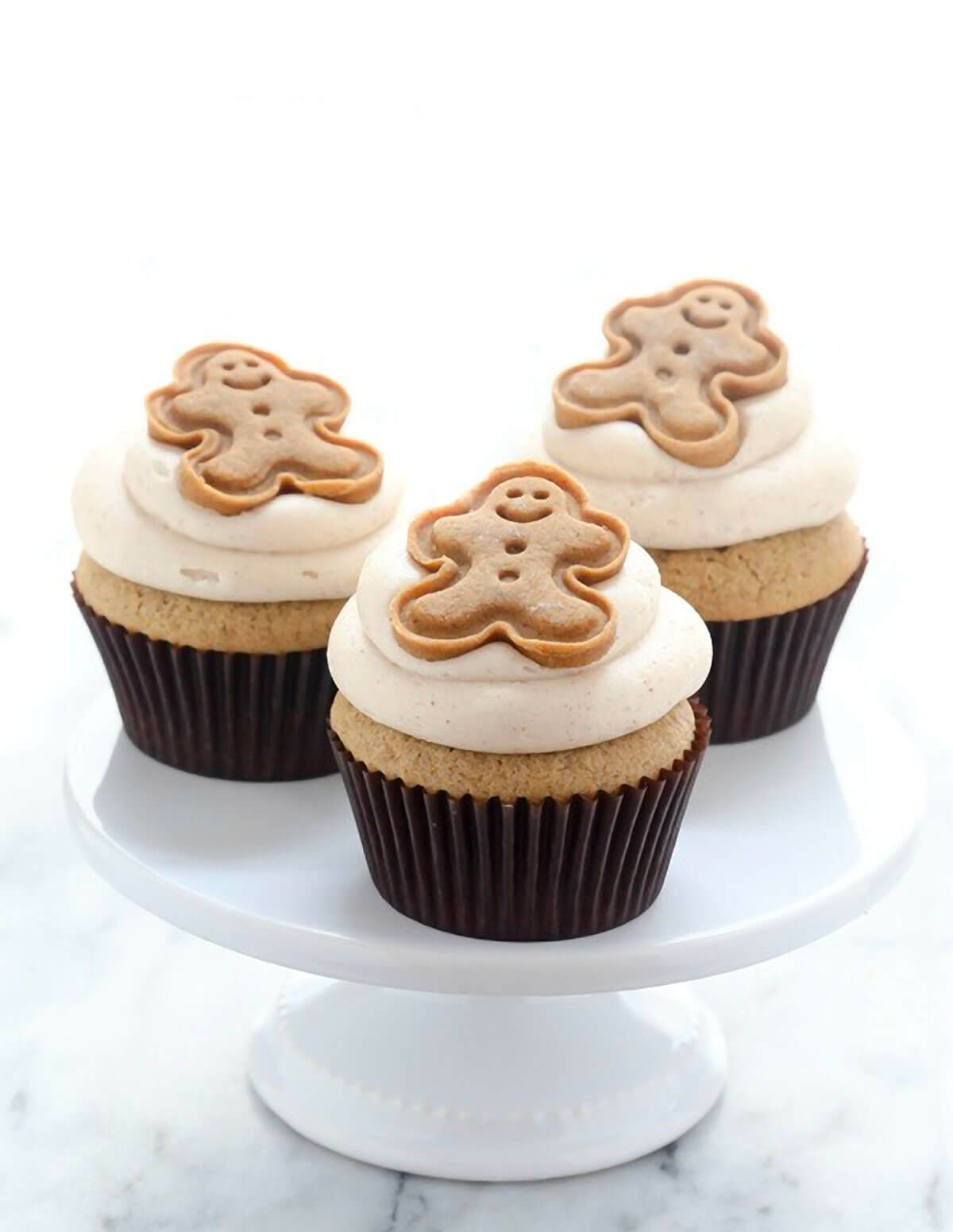 Gingerbread Cupcakes with Brown Sugar