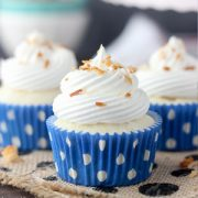 Skinny Coconut Cream Pie Cupcakes