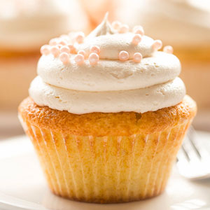 Fluffiest Vanilla Cupcakes with Buttercream Frosting