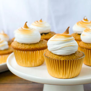 Smores Cupcakes Meringue Frosting