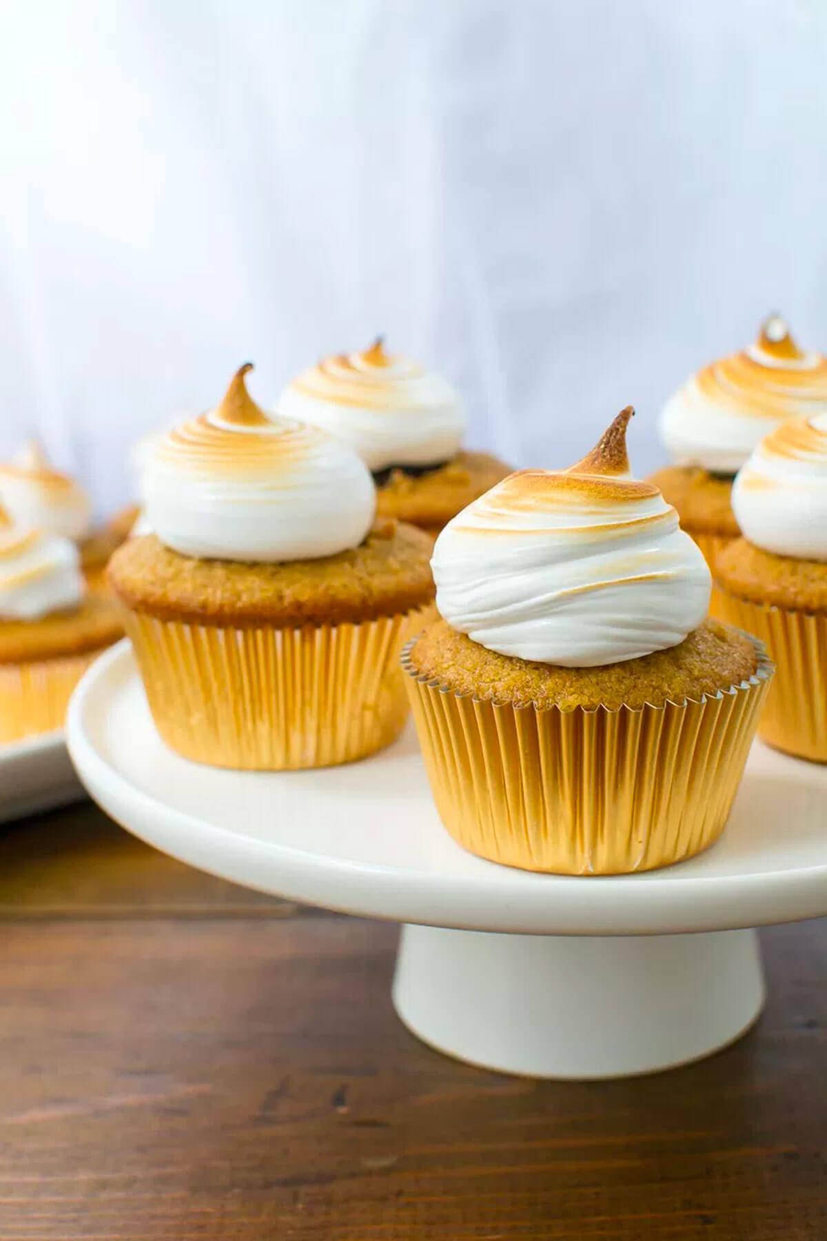 Smores Cupcakes Meringue Frosting