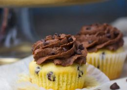 Vanilla Chocolate Chip Cupcakes