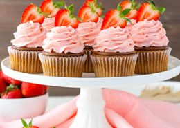 Strawberry Nutella Cupcakes
